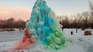 "See How This Family Creates Their Annual Neighborhood Spectacle ""Ice Tree"""