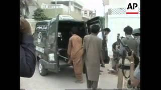 Pakistan - Gangs Take On Police