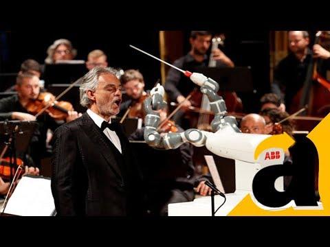 Ini Robot YuMi Menjadi konduktor orkestra Italia