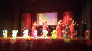 Ailo Ailo Ailo Re Ronge Vora Boishak - Shotabdee with her friends, Adelaide Bangla School (BASSA)