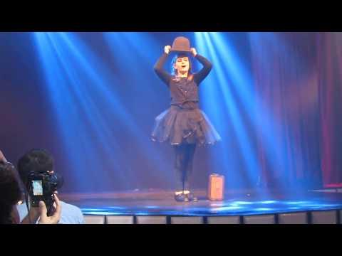 Xxx Mp4 Julia RIbak Broadway Baby Paris 6 Burlesque 3gp Sex
