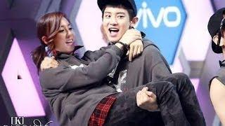 EXO show their love to 2NE1