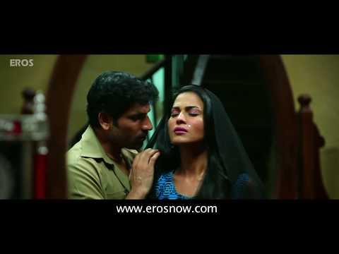 Veena Mallik gets intimate with rickshawala