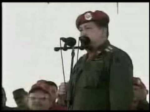 Hugo Chavez exige al comandante boliviano de las FFAA