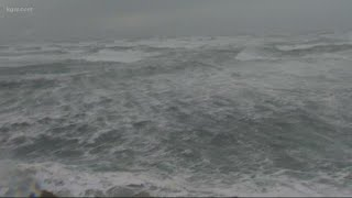 Warning issued as high winds hammer coast