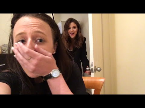 Selena Gomez Surprises Aussie Fan In Her BEDROOM!
