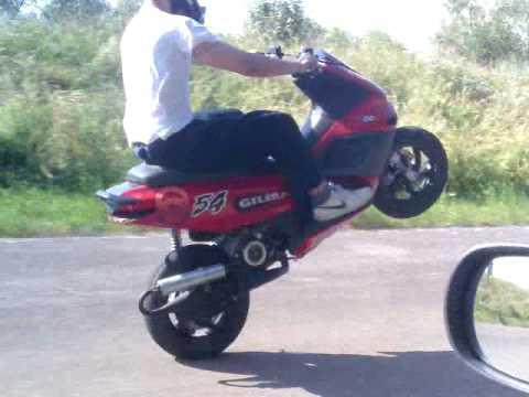 172ccm Runner Wheelie