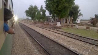 Pakistan Railways:8dn Tezgam Express X 5up Green Line near Khairpur