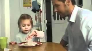 طفلة فرنسية أبوها لعب عليها ههههههه لاتفوتكم