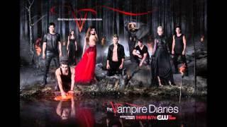 The Vampire Diaries 5x12 I'm a Man (Black Strobe)