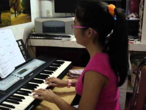 Me playing the organ.MP4