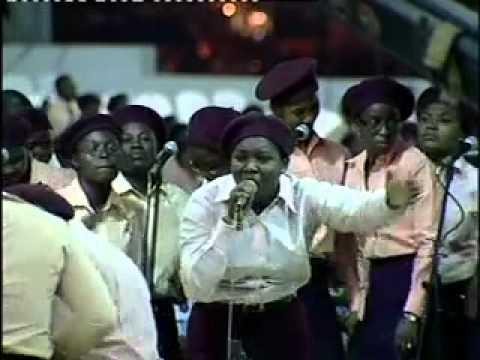 RCCG Mass Choir & Bukola Bekes-Powerful Yoruba Praise