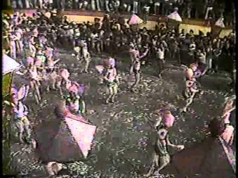 Mangueira 1982 DESFILE COMPLETO