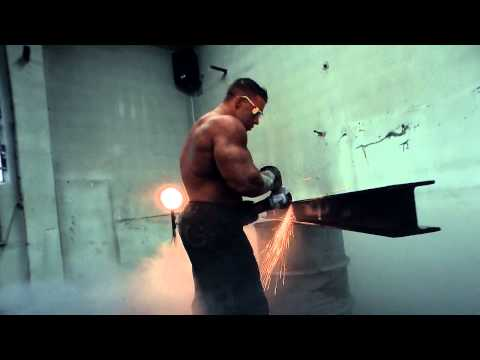 Making Off Fotoshooting Best Body Nutrition IFBB Pro Athlet Daniel Toth Bodybuilding