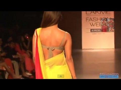 Xxx Mp4 Priyanka Chopra Backless In Transparent Saree 3gp Sex