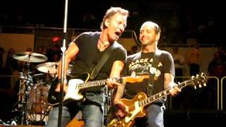 BRUCE SPRINGSTEEN MIKE NESS BAD LUCK SPORTS ARENA LOS ANGELES APRIL 16, 2009 SOCIAL DISTORTION