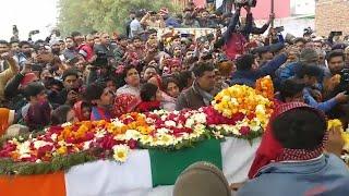 Mortal remains of CRPF jawans reach home amid tears, anger and anti-Pakistan slogans