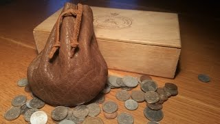 Leather working - Medieval leather coin pouch