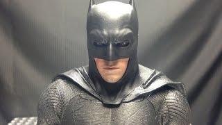 Hot Toys Batman v Superman BATMAN: EmGo