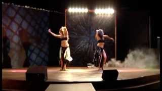 VMA 2011 - Shakira and Beyonce Tribute