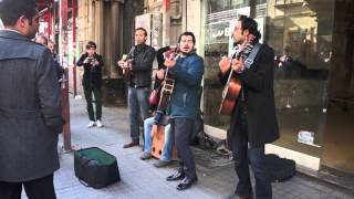 Iranian street musicians in Istanbul