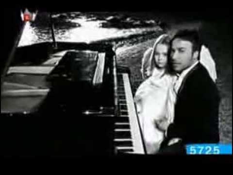 Emirkan Feat Demet Akalin Sevgililer Günü Yepyeni Video Klip