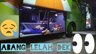 Saking nyamannya, walaupun Bus parkir Kru tetap Tidur Pulas
