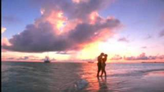 Romance on the beach - Romance en la playa - voices Thelma & Rafael C.