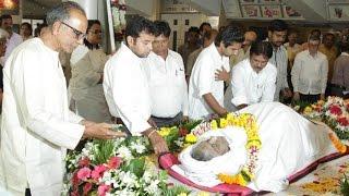 Amitabh, Abhishek, Shakti, Shabana Gulzar & Others at Om Puri's Funeral