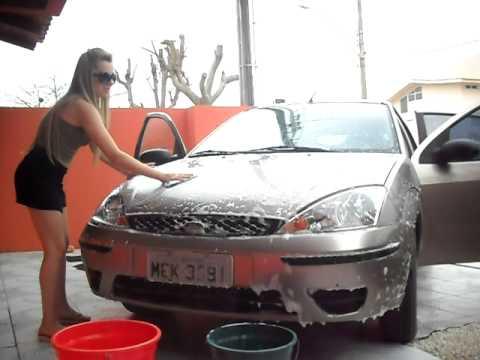 Domingão delicia bázinha & bi lavando o carro