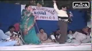 Maniyaro Aayo   Hit Gujarati Lokgeet   Maniraj Barot   Gujarati Dayaro