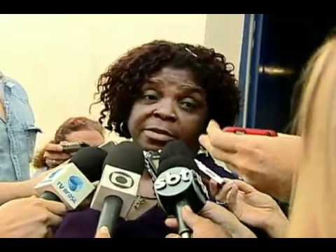 Mãe do traficante Mr. M fala sobre a prisão do filho.