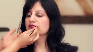 How To Apply Make-up Tutorial: Wear your Lipstick in 5 Different Ways