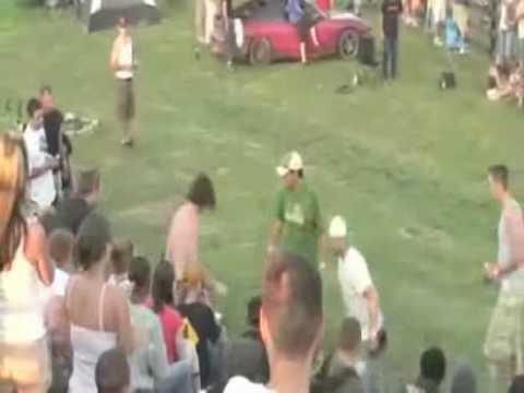 Pelea de borrachos en un evento deportivo
