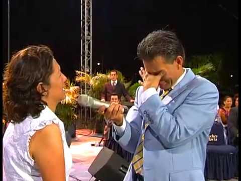 Desaparecio la joroba de Maria Eugenia en Noches de Gloria Acapulco Mexico.