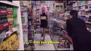 Y aquí tenemos. Un viedo gracioso de la música #PURO CHANTAJE.