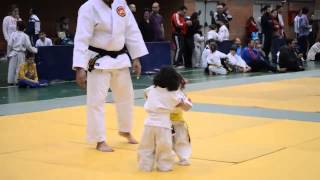 little girls judo match