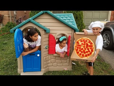 Xxx Mp4 Pizza Delivery To Our Playhouse From Food Truck Kids Pretend Play 3gp Sex