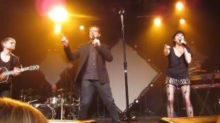 Carly Rae Jepsen & Bob Saget sing the