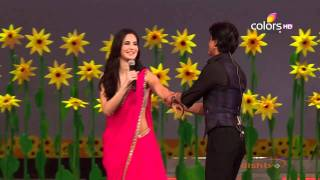 Katrina Kaif being Harassed by Shahrukh Khan in 18th Annual Colors Screen Awards 720p
