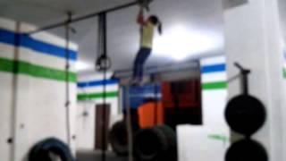 Crossfit 2 niña 5 años subiendo cuerda