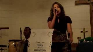 Cantora Vanessa Carla Louvando
