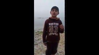 طفل من غزة يقلد الشيخ منصور السالمي بصوت رااائع جداااا