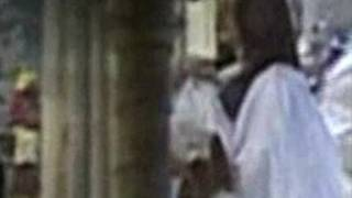 Aishwarya, Beti B meet Amitabh Bachchan post SURGERY