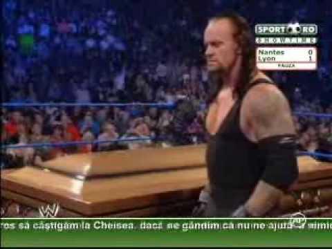 Sport ro    Undertaker si glumele bolnave! A inchis o pe Vickie Guerrero intr un cosciug