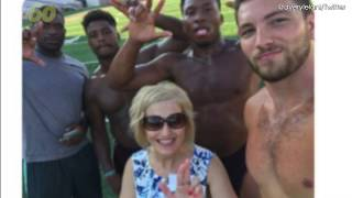 'Cougar' Mom Makes New Friends At Daughter's College Freshman Orientation