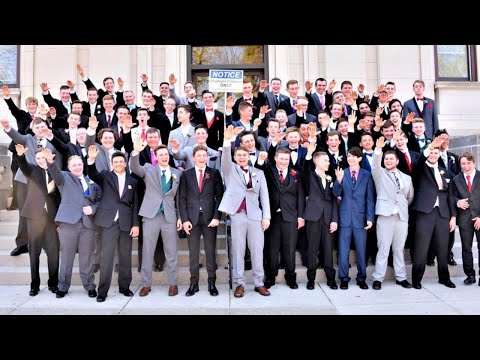 Xxx Mp4 High Schoolers Appear To Give Nazi Salute In Prom Photo 3gp Sex