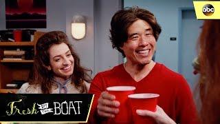 Louis Explains The Flush - Fresh Off The Boat 3x17