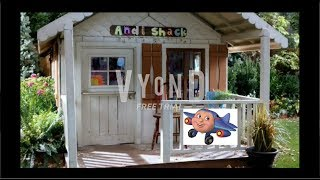 Jay Jay crash lands on Andi Shack and gets grounded