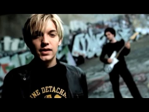 Top 10 Cheesiest One-Hit Wonders of the 2000s